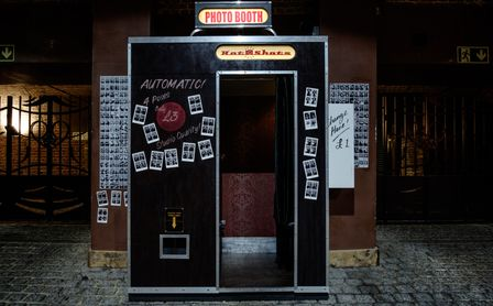 Photo booth rental Bali that has photography studio