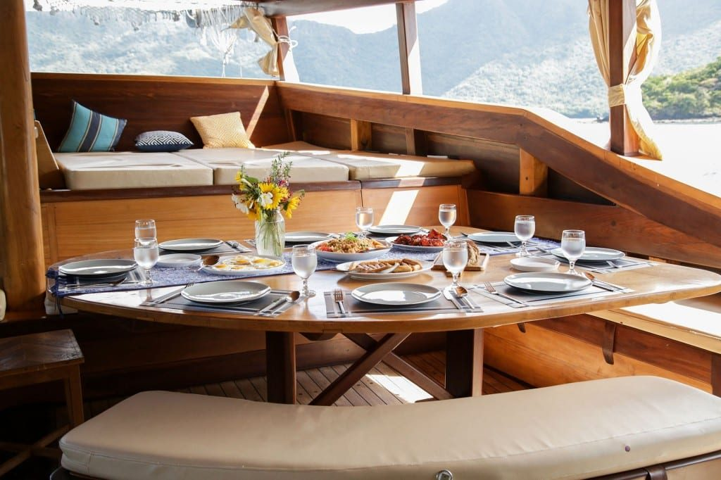 Komodo Boat Charter: Why You Need to Hire It Whole